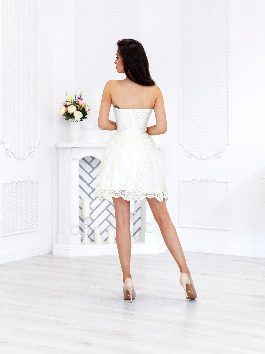 a2794f36 Sukienka gorsetowa z koronką ecru A765